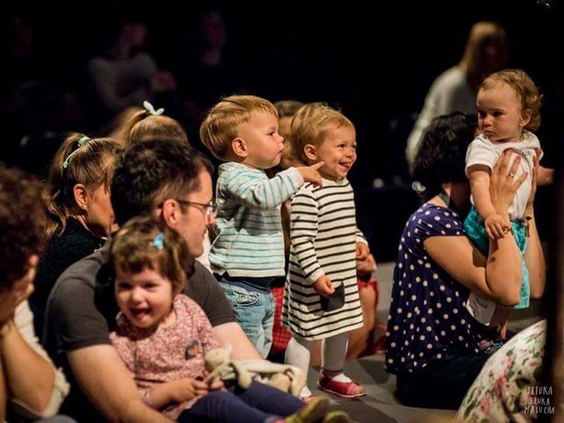 Forestilling for 2-5 årig børn på Teaterværkstedet Madam Bach